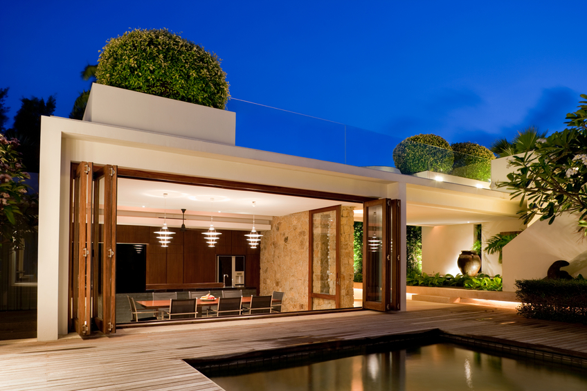 Pleasant Take Your Hosting To A Whole New Level With The Right Pool House Wiring Cloud Funidienstapotheekhoekschewaardnl